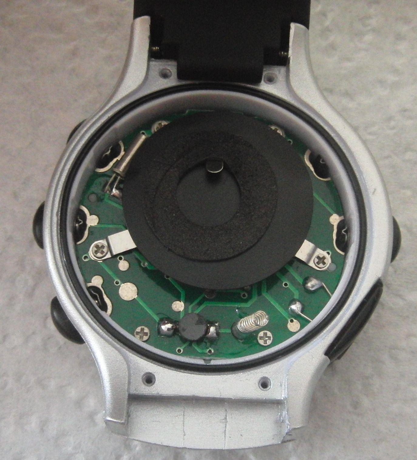 Часы со снятой крышкой