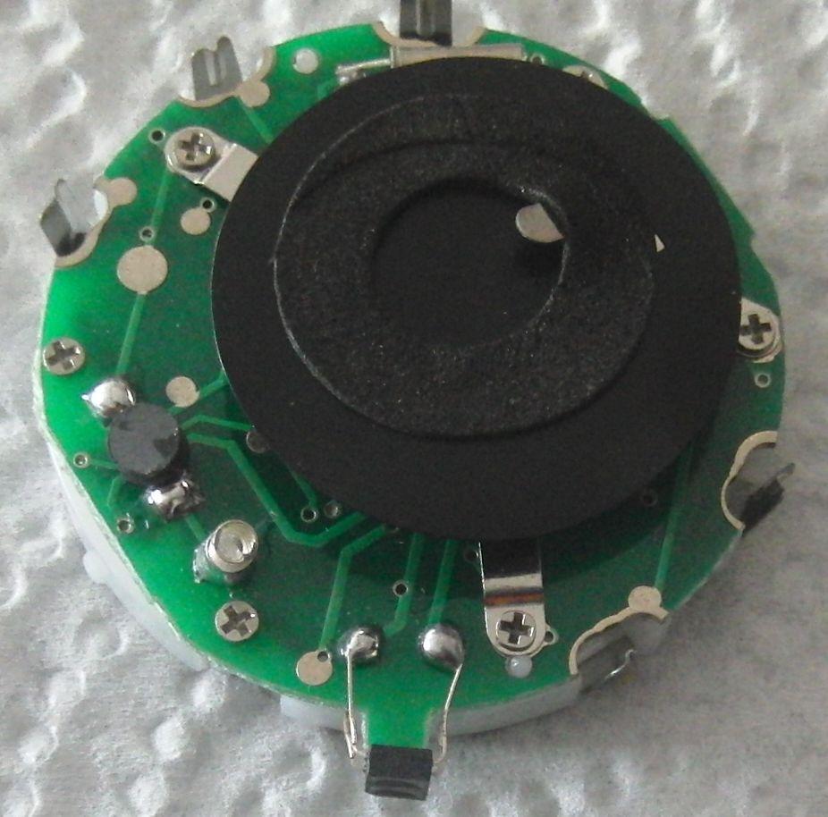 Часы с ИК измерителем пульса: плата. Внизу видна ИК-оптопара.