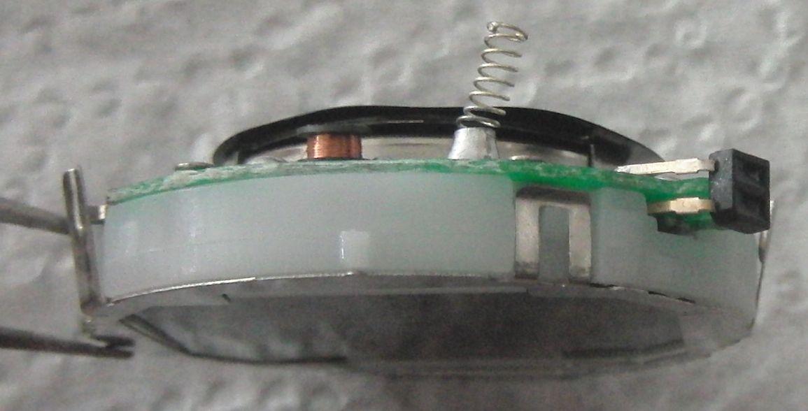 Часы с ИК измерителем пульса: вид на оптопару