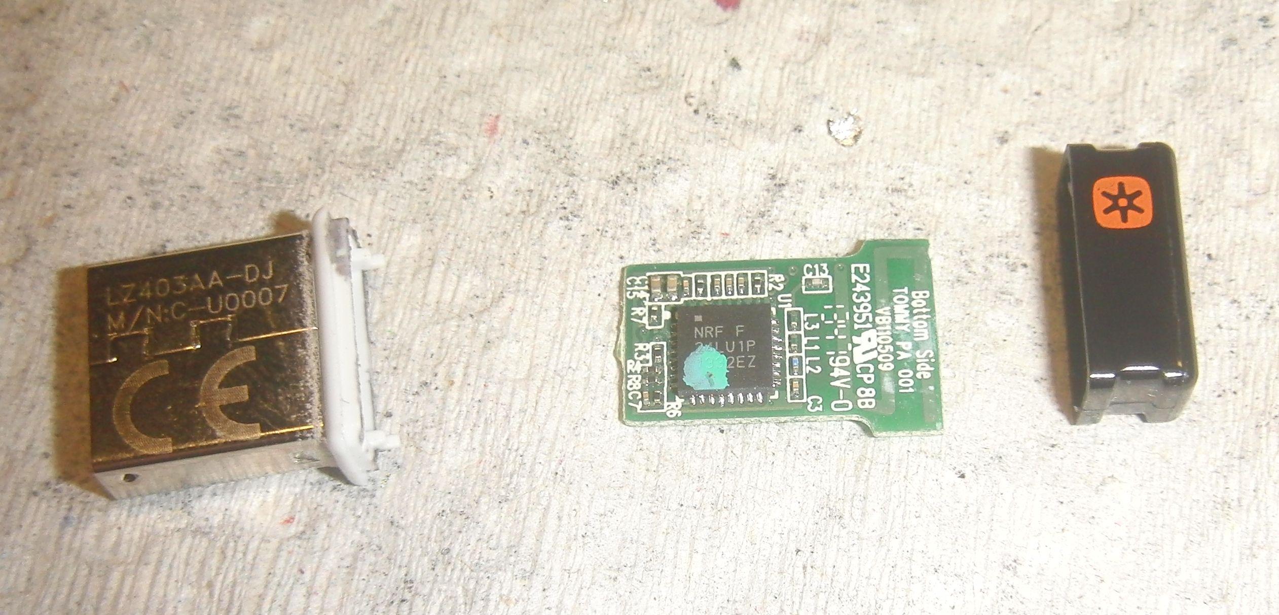 Logitech приемник - плата со стороны трансивера и антенны