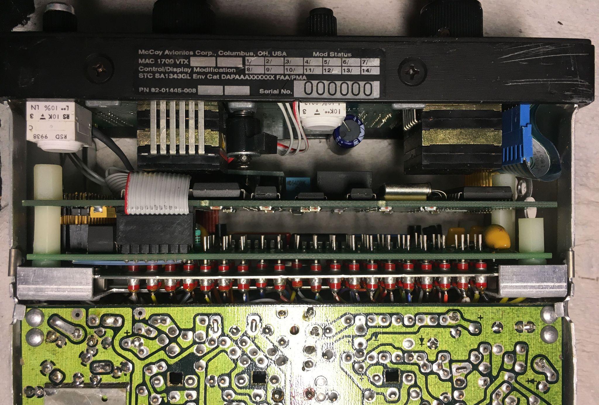 Радиостанция KING 170B, вид на блок MAC1700
