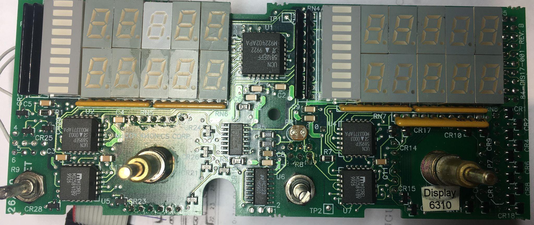 MAC1700 передняя плата со стороны индикаторов